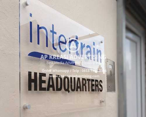 acrylic-signs-wall-plaque-office-signs-nottinghamshire-lincolnshire